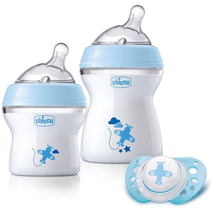 Set CHICCO Boy Natural Feeling: 1 biberoan 150ml + 1 biberoan 250ml + suzeta, 0 luni +, albastru deschis